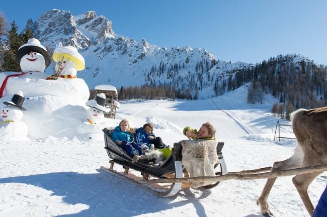 freizeit_winter_rentiere_019_s_dolomiten_photogruener